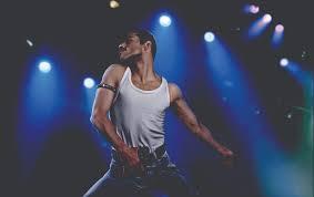 Perché Bohemian Rhapsody ha cambiato i dettagli della vita di Freddie Mercury