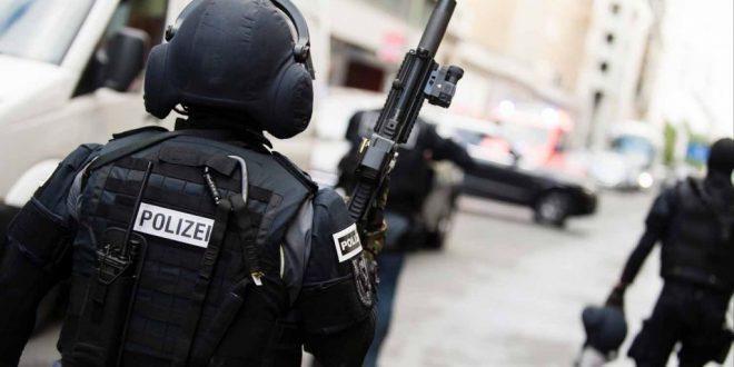 سلطات الأمن الألمانية تلقي القبض على ثلاثة طالبي لجوء سوريين