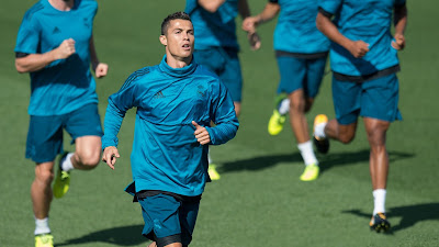Cristiano Ronaldo Running HD Wallpapers