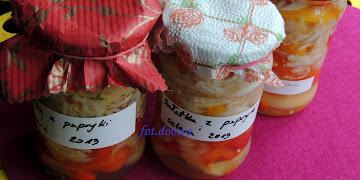 Sałatka z papryki i selera  na zimę