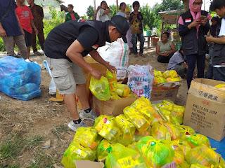 Distribusi Logistik di Desa Pombewe