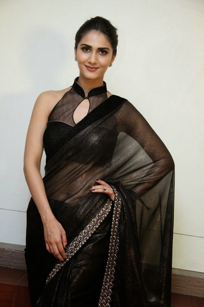Desi Actress Vaani Kapoor Saree Below Navel Show Photos #VaaniKapoor