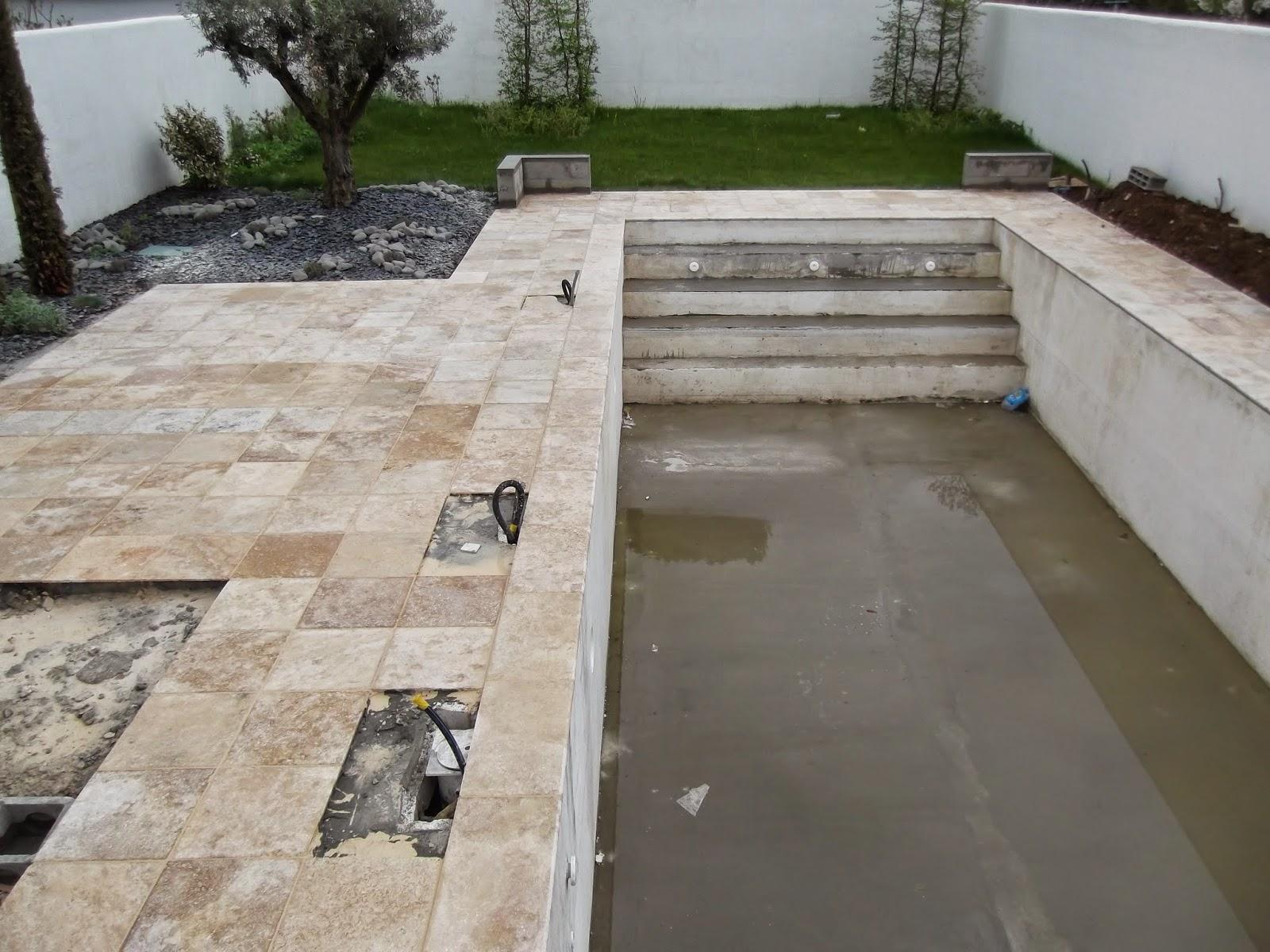 terrasse en travertin terrasse en travertin proximit de gardanne blb carrelage terrasse. Black Bedroom Furniture Sets. Home Design Ideas
