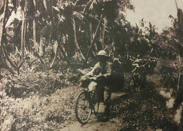 Japanese soldiers of Kunishi Detachment riding bicycles in the Malaya Peninsula, 9 January 1942 worldwartwo.filminspector.com