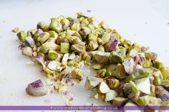 Strawberry & Pistachio Frozen Yoghurt at The Purple Pumpkin Blog