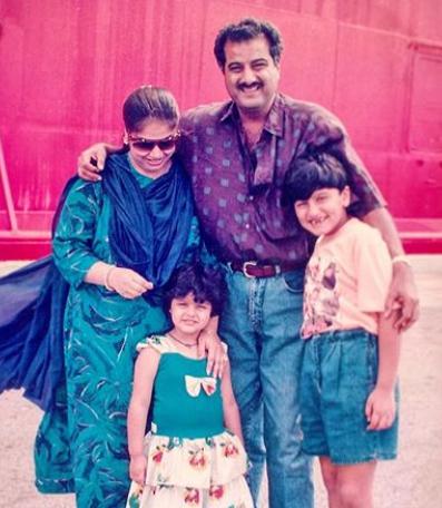Anshula Kapoor Childhood Photo with Family