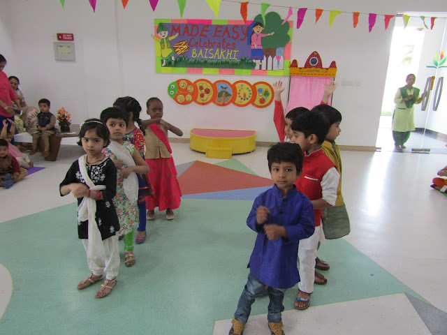 TODDLERS DANCE TO THE TUNE OF BHANGRA