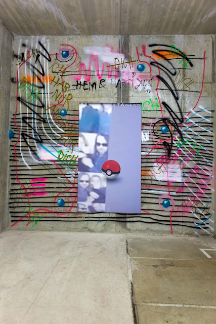 """Ann Schomburg, """"Pokemon go 1.01"""", 200x115 cm, Pigmentdruck, 2016"""