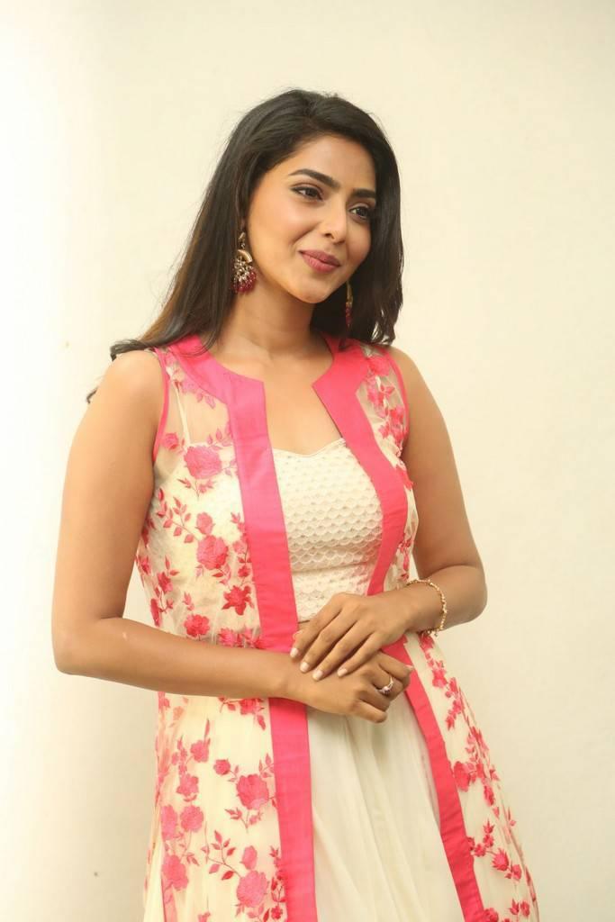 Aishwarya Lakshmi at Kalyan Ram Movie Launch Gallery