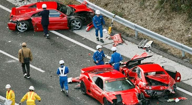 kecelakaan konvoi ferrari di jepang
