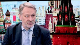 Путин отрывает головы в прямом эфире, московские либералы в плену у Собянина, а наследники неодворян делят Россию