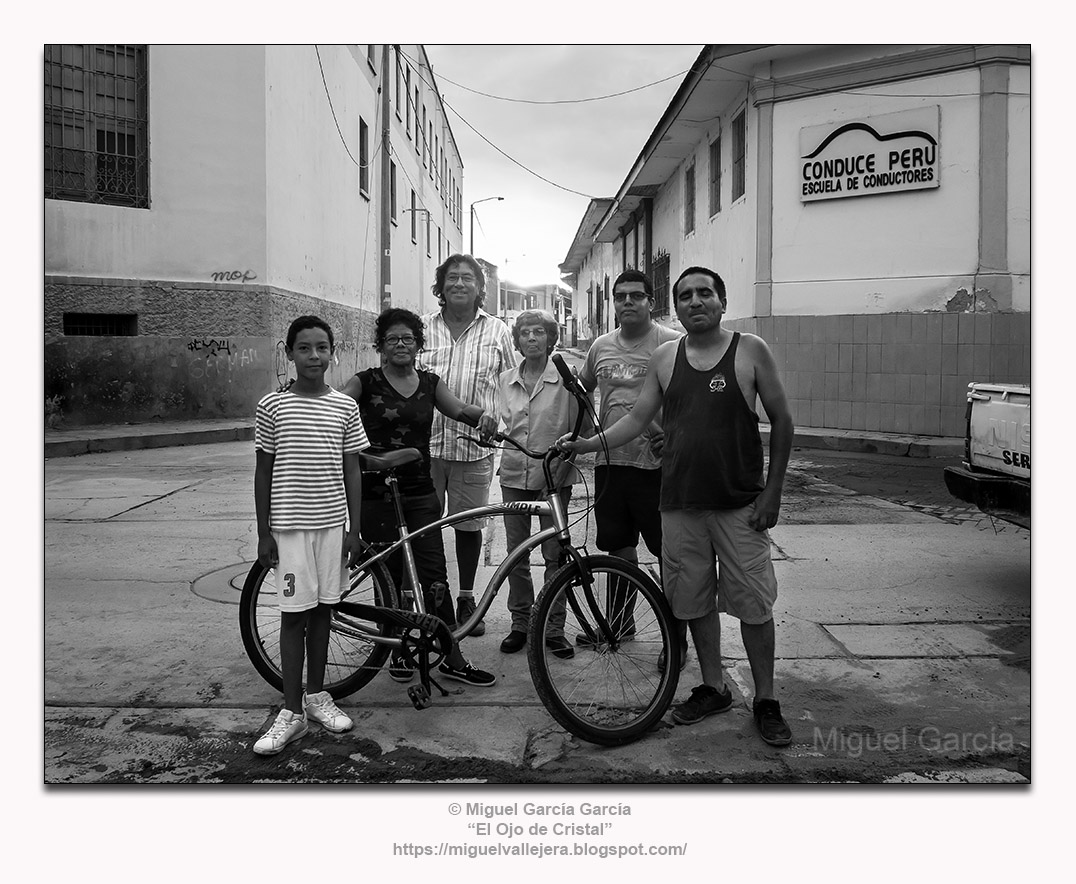 "Fenómeno del Niño 2017, Piura (Perú). Sebastián, Srta. Flor, ""Tato"" Cortés, Sra. Albán, José Rodolfo, Wilder"