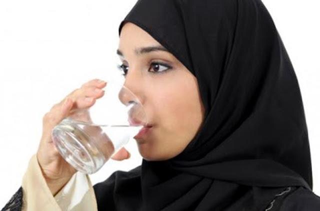 http://www.katasaya.net/2016/05/manfaat-mengkonsumsi-8-12-gelas-air-putih.html