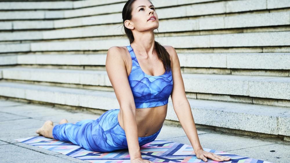 Rückenschmerzen: Diese drei Yoga-Übungen helfen