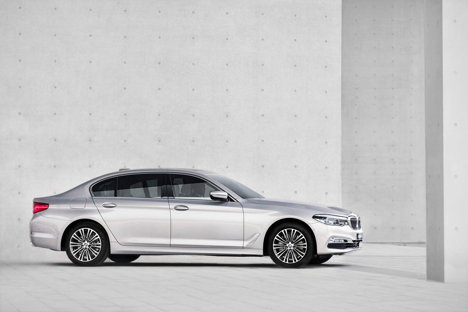 2016 - [BMW] Série 5 Berline & Touring [G30/G31] - Page 28 BMW-5-Series-LWB-9