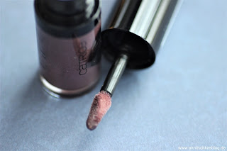 Review: 9 Bloggers Favourites von CATRICE - Liquid Lip Powder - www.annitschkasblog.de