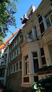 Fassade kontrollieren Hublift Hubsteiger Stuck Belz