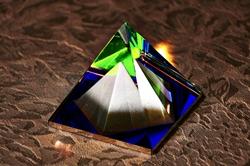Eine Glaspyramide (Glaswelten)...