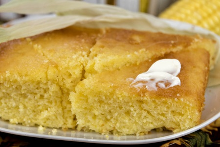 Easy Cornbread from Debt Free Cashed Up and Laughing and the Cheapskates Club Bread Recipe File, to go with chlli or just to enjoy Click through for the recipe