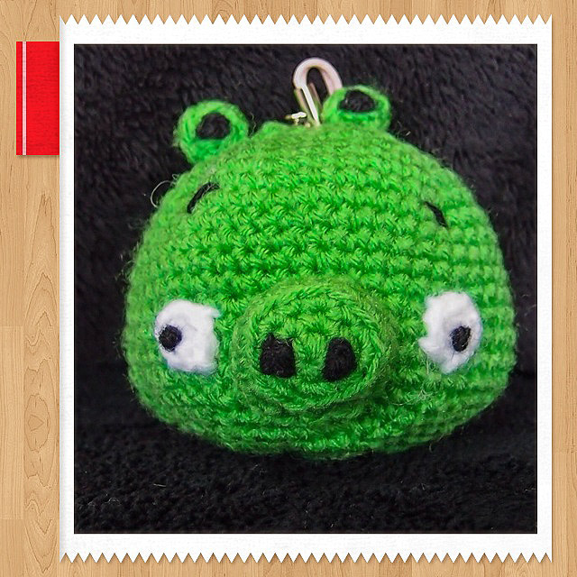 crocheted green pig from angry bird amigurumi