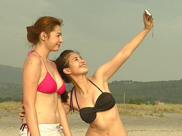 charee pineda and kaye abad sexy bikini pics