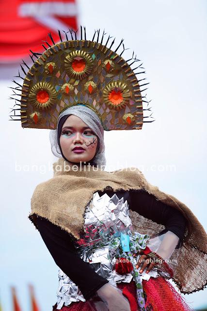 model-bangka-belitung-lomba-baju-daur-ulang-ubb
