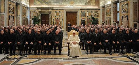 UN NUEVO ORDEN MUNDIAL - Página 9 Benedicto-jesuitas