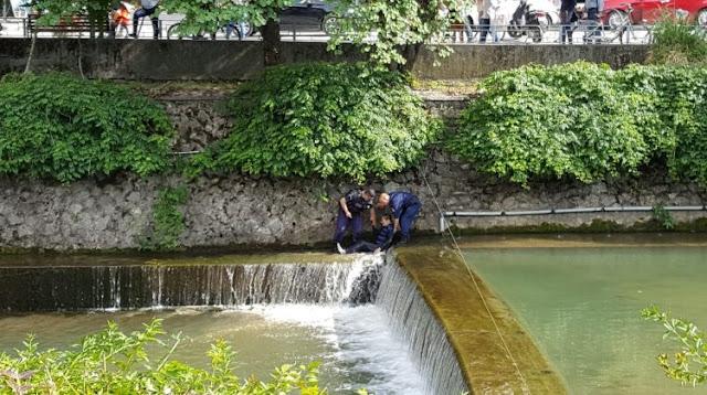 Θρίλερ με άντρα που έπεσε στο Ληθαίο ποταμό οι άντρες της ομάδας Ζητα έφτασαν αμέσως (φωτό-video)