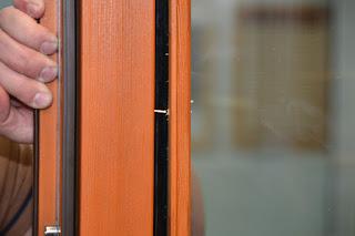 Штапик для окна из дерева