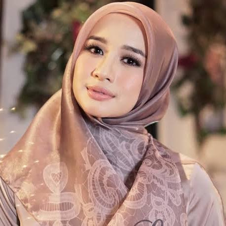 4 Tutorial Gaya Hijab Terkini Ala Laudya Cynthia Bella