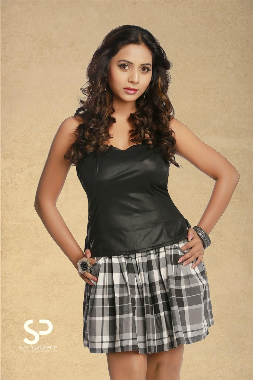 Suza Kumar Hot Photoshoot