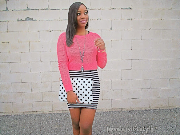 jewels with style, black fashion blogger, pink shirt, polka dots and stripes, mixing prints, black and white outfit, polka dot purse, hide your body flaws, highlight your best body parts, pink and black