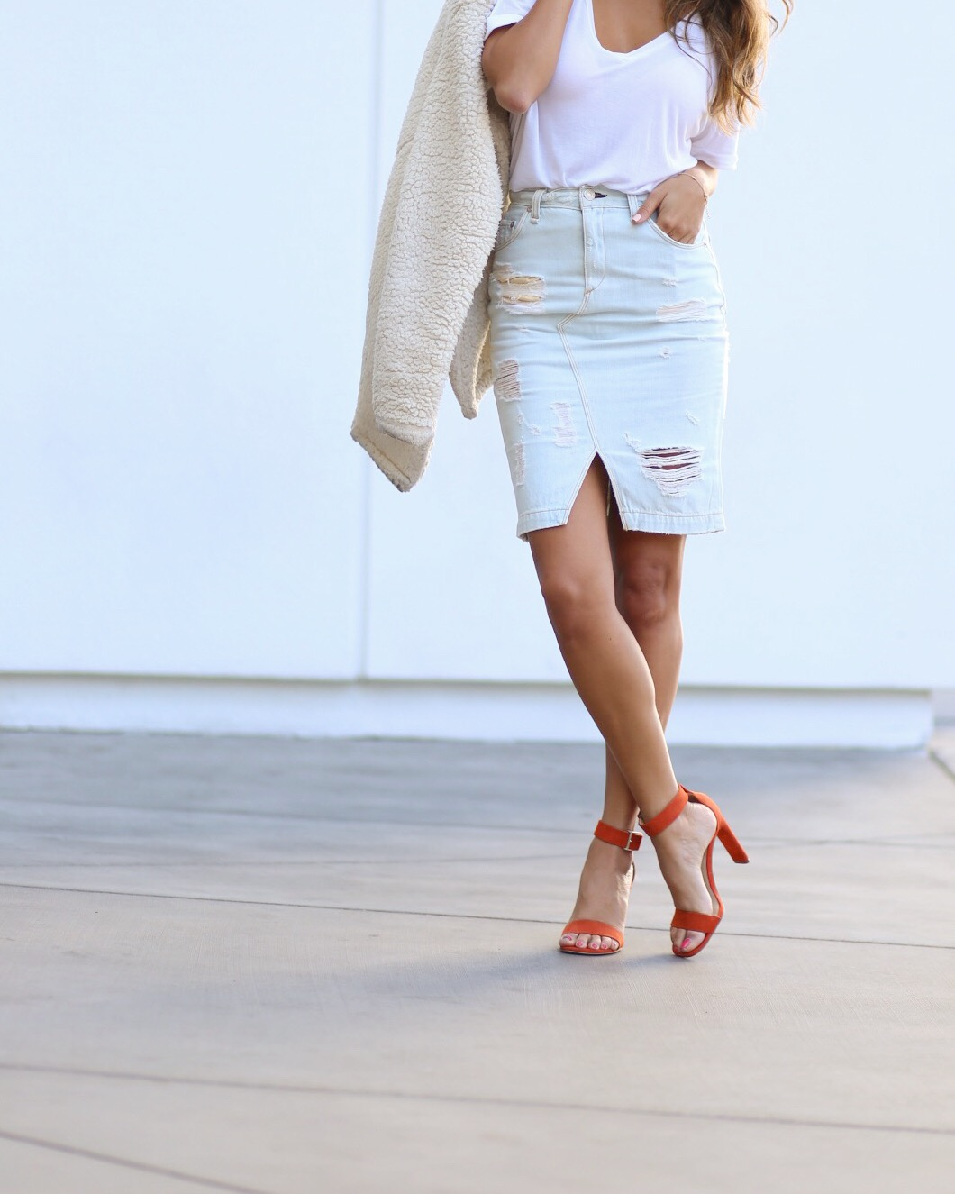 rag and bone, how to wear denim skirt, distressed skirt, casual outfit, pursuit of shoes