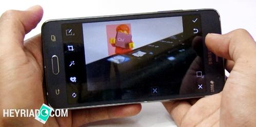 PicsArt - aplikasi mengganti background foto