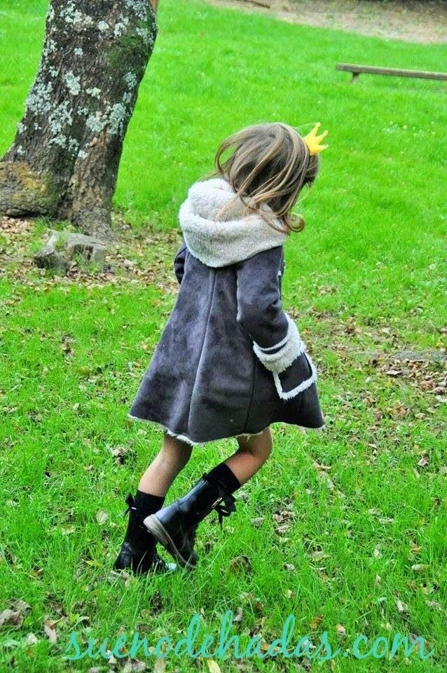 Abrigos de niña - pelliza gris con capucha Nanos