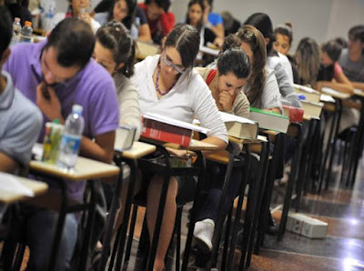 http://www.corriere.it/cronache/16_agosto_11/due-scuole-italiane-forbice-divario-che-si-allarga-0bf6d51a-6007-11e6-bfed-33aa6b5e1635.shtml