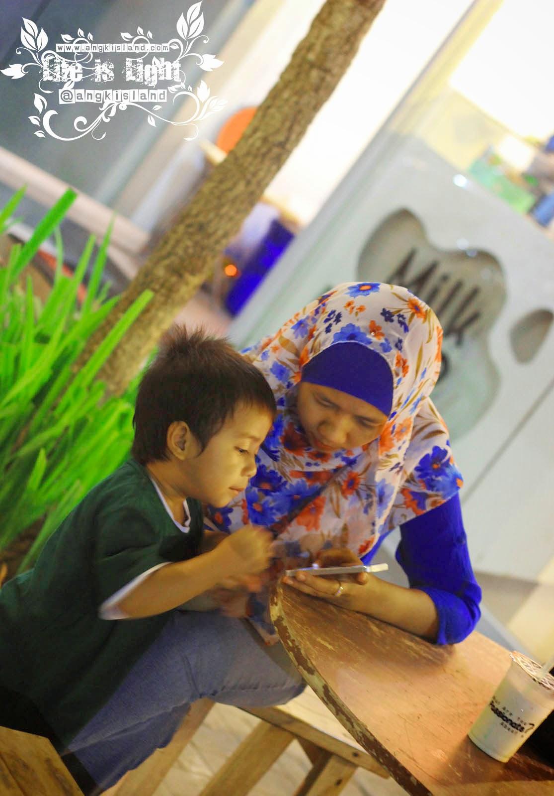 berbagi Milk Bar Indonesia