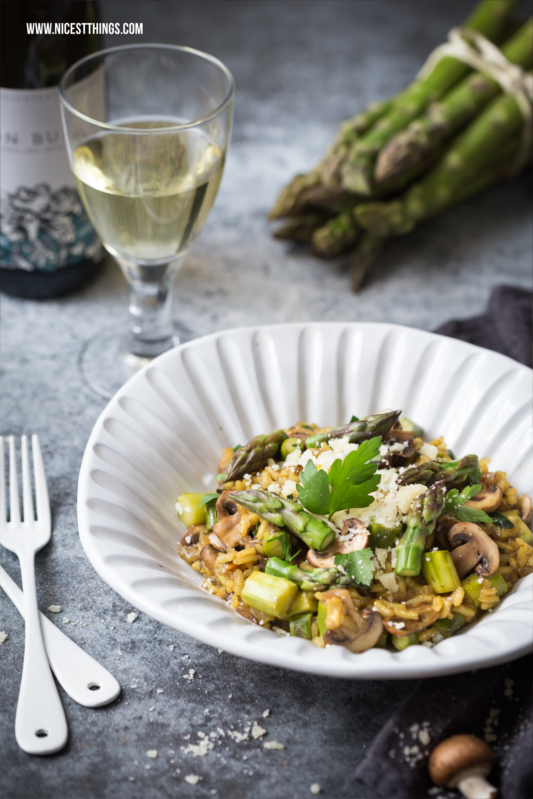 Risotto mit grünem Spargel und Pilzen Rezept
