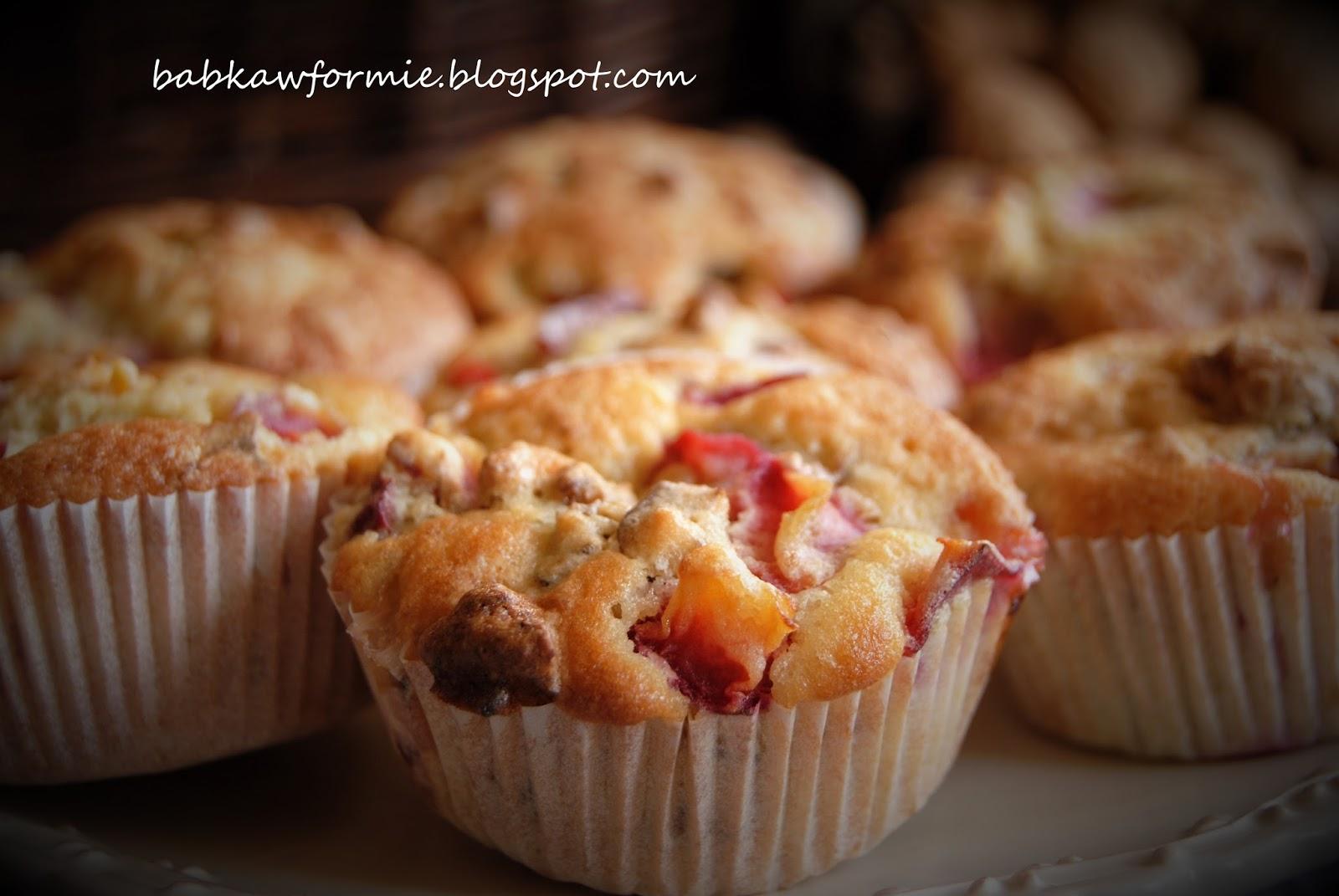 muffiny orzechowe ze śliwkami Wszystkie smaki Skandynawii babkawformie.blogspot.com