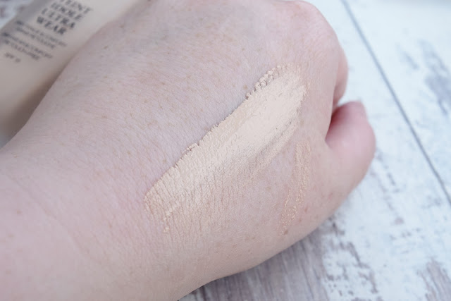 Lancome Teint Idole Ultra Wear in 005 Beige Ivoire swatch