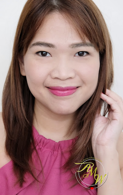 a photo of The Body Shop Lima Magenta Matte Lipstick review by Nikki Tiu of AskMeWhats.com