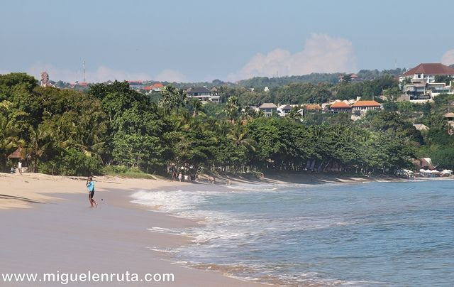 Jimbaran-Bali-playa-tranquila