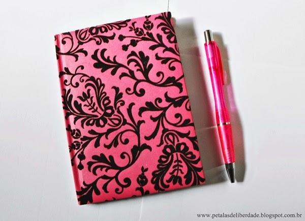 caneta, agenda, caderno
