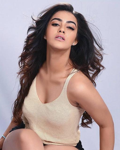 Actress Kavya Thapar
