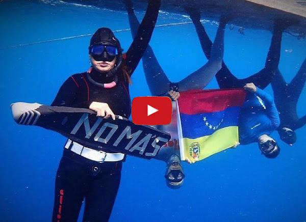 Carlos Coste hizo manifestación desde el fondo del mar