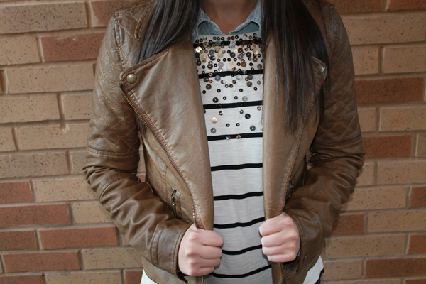 Naturally Me, Fall Outfit, Fall Outfit Idea, Striped Shirt, Tan Leather Jacket, Chambray Top, Dark Jeans, Gap Jeans