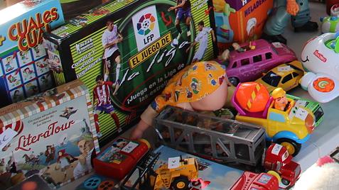 reparto juguetes Cruz Roja