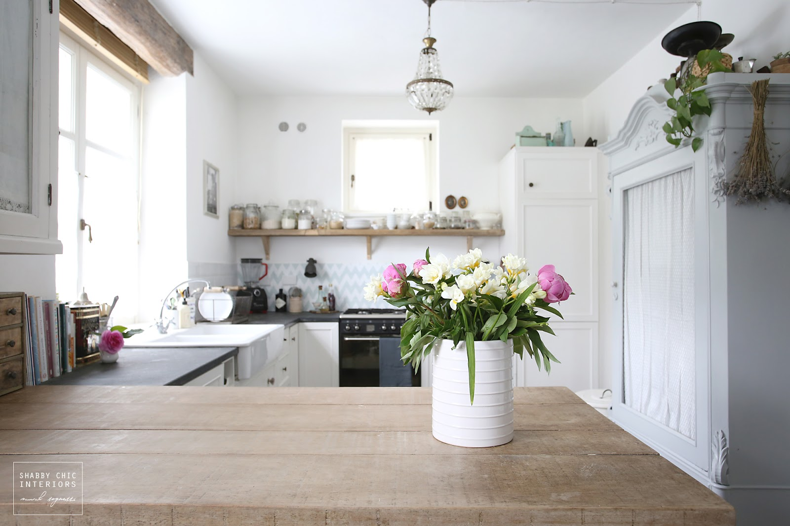 Shabby Chic Interiors | Zsazsa Bellagio Like No Other Home Sweet ...