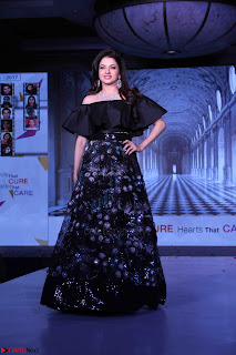 Bhagyashree and Diana Hayden walks the ramp for Mumbai Obstetrics and Gynecological Society Annual Fashion Show 007.JPG