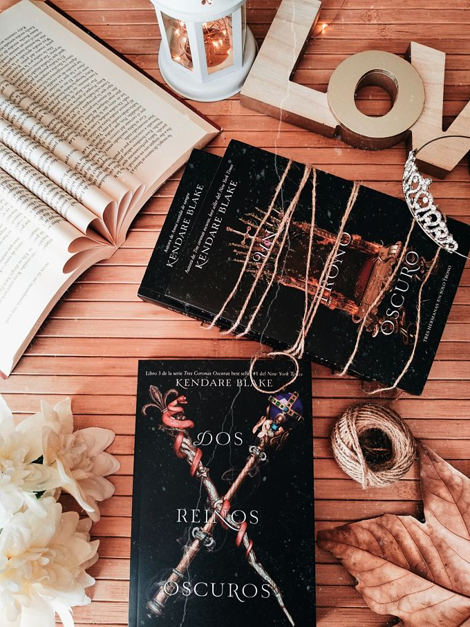 Foto del libro Dos reinos oscuros de la autora Kendare Blake